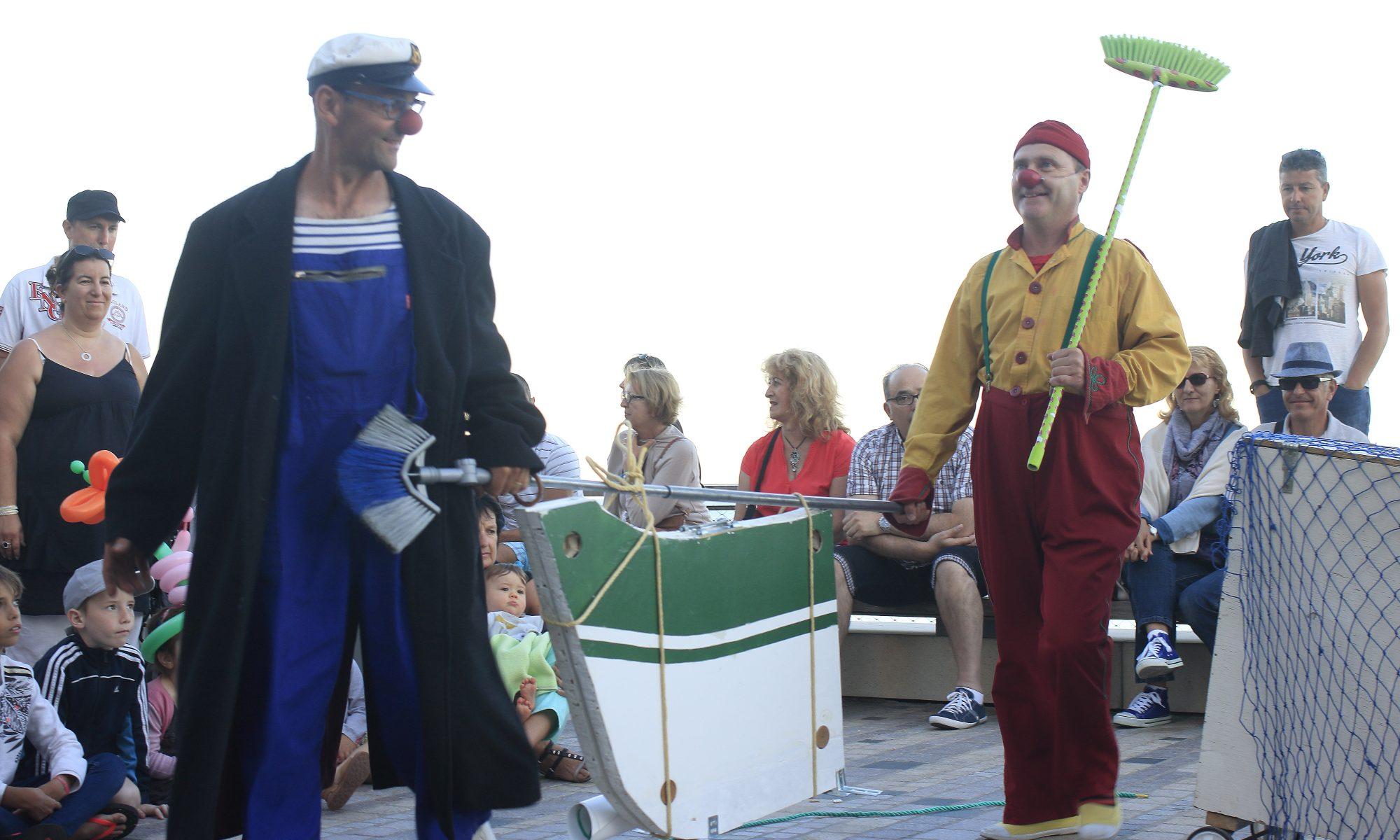 Les BatOclowns, SORTIE DE CHANTIER, théâtre gestuel pour la rue